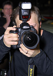 LND5419_-_Nikon_Pro_demonstrate_the_D3.jpg