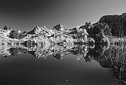 Ayer_Lake_Mirror_B_W_.jpg