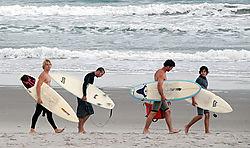 surfers2.jpg