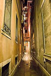 Venice-Sidestreet-at-Night.jpg