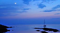 Sailers_at_night.jpg