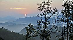 Spiritual_Sunrise_Over_the_Mist.jpg