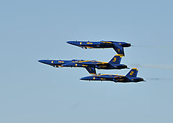 AJE-20081012-162256-0260_-_Blue_Angels_1-4_in_close_formation.jpg
