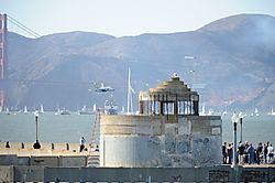 AJE-20081012-162705-0287_-_Blue_Angels_5_low_level_flight_tru_Golden_Gate.jpg