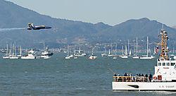 AJE-20081012-163151-0330_-_Blue_Angels_6_low_level_flight_tru_Golden_Gate.jpg