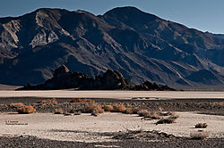 6_Death_Valley_Racetrack_1.jpg
