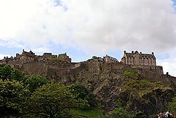 02_edinburgh_castle.jpg